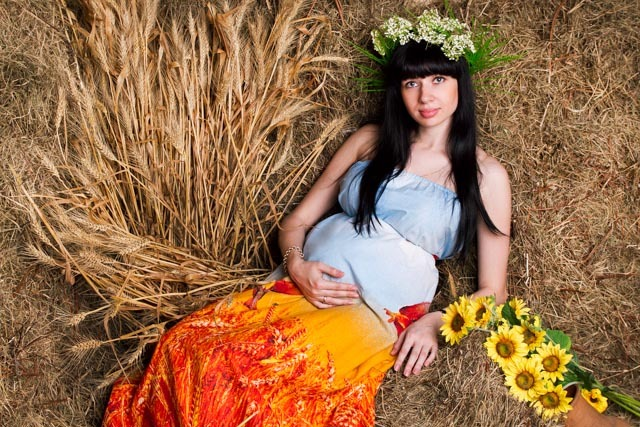 Студийная фотосессия беременной
